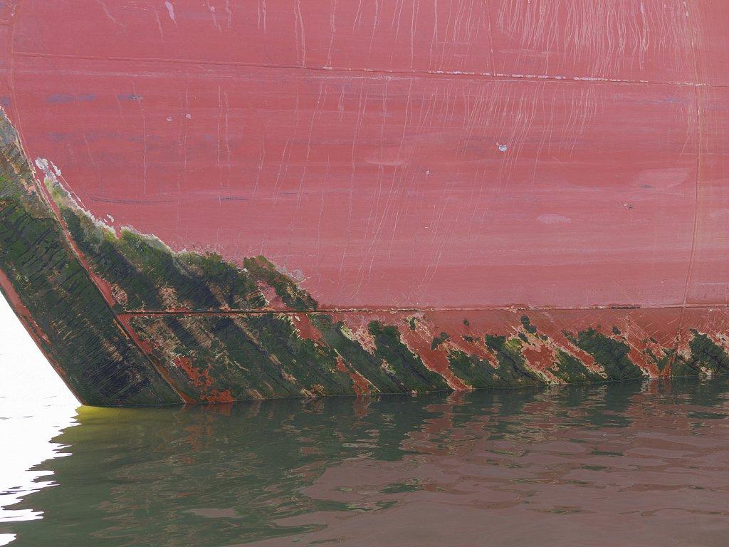 Kunst am Bau   -   Rost und Abrieb an Schiffsrümpfen